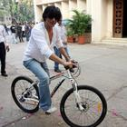 Shah Rukh & daughter Suhana Cycling in Bandra