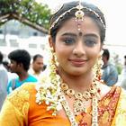 Chubby Malayalam Actress Priyamani hot photos