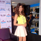Shahid and Priyanka Promote Teri Meri Kahaani at Reliance Digital Store