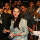 Bold Actress Aishwarya Rai Stills and Wallpapers