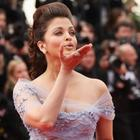 Aishwarya Rai Flying Kiss Still at Cannes