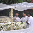 Akshay Kumar at The Funeral of Rajesh Khanna