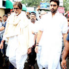 Amitabh and Abhishek at Rajesh Khanna's Funeral Profession