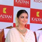 Aishwarya at the Launch of Kalyan Jewellers Showroom
