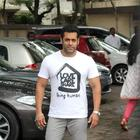 Salman Khan Celebrates Eid With Fans and Family