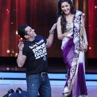 Salman and Katrina On Jhalak Dikhhla Jaa 5 To Promote Ek Tha Tiger