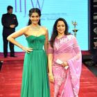 Hot Bollywood Celebs Latest Ramp Still at IIJW 2012