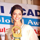 Deepika at Priyadarshni Academy Awards 2012