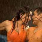 Kareena Kapoor with Aamir Khan In 3 Idiots Romantic Song