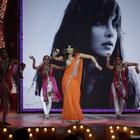 Priyanka Chopra Dancing Still At People's Choice Awards 2012