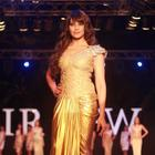 Bipasha On Ramp For Anjalee And Arjun Kapoor At IRFW 2012