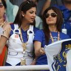 Bollywood Sizzling Actress Shamita Shetty Photos