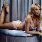 Bikini Babe Kylie Minogue Shocking Stills