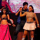 Rani Mukherjee With Shahrukh Khan Hot Dancing Pics