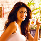 Famous Indian Beauty Katrina Kaif Pics and Wallpapers