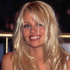 Latest Hot Babe Pamela Anderson Photos
