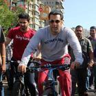Salman Khan At Mumbai Car Free Day Rally 2013