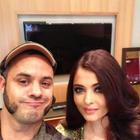 Aishwarya On Backstage At TOIFA 2013 With Her Make-Up Artist