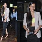 Kapoor Sisters Sonam And Rhea Snapped At Hakkasan With Friends
