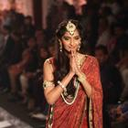 Sonam Kapoor At The Grand Finale Of IIJW 2013