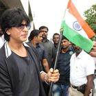 Shahrukh Khan Celebrates Independence Day And Visits Maratha Mandir