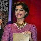 Sonam Kapoor At The India Gem & Jewellery Awards 2013
