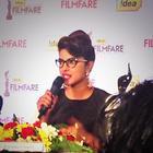 Priyanka Chopra Unveils the Special D Filmfare Trophy