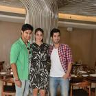 Stars Of Purani Jeans And Their Lunch Affair