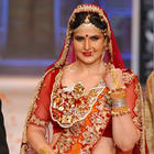 Bubbly Babe Zarine Khan Walks The Ramp For Swarovski Show At IIJW 2014