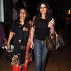 Zarine Khan Takes Her Mom For A Dinner At Mumbai