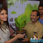 Sonam And Fawad Visit Amrapali Store For Khoobsurat Promotions
