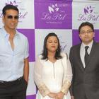 Akshay Kumar Unveils Dr. Trasi's La Piel Clinic