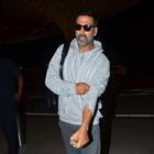 Akshay Kumar Snapped At Mumbai Airport
