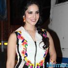 I don't support Sunny Leone's profession: Prasoon Joshi