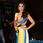 Aish wins Global Indian of the Year Award and dedicated to Aaradhya