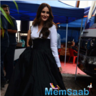 Kareena Kapoor Khan sizzles in new ad shoot at Mehboob Studios