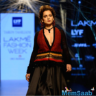 Showstopper Kangana classy outfit on Day 1 of Lakme Fashion Week's