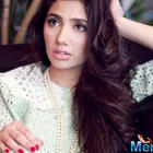Pakistani star Mahira Khan replaced in 'Raees'