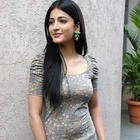Shruti Haasan rubbishes the link-up  rumours with Ranbir Kapoor
