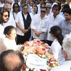 Rishi Kapoor slams the current generation for not attending Vinod Khanna's funeral