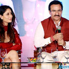 """""""She is the torchbearer of the family"""", says Kareena Kapoor Khan on Soha Ali Khan"""