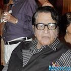 A happy Manoj Kumar willing to write Woh Kaun Thi remake