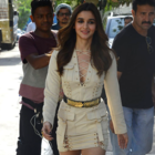 Ranbir Kapoor and Alia Bhatt shopping on the streets of NYC is adores!