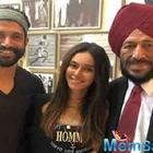 Farhan Akhtar and ladylove Shibani Dandekar catch up with Milkha Singh
