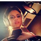 Selena Gomez shares a new selfie on Instagram, hints at recording new music?