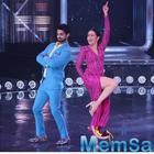 Karishma Kapoor recreates Sona Kitna Sona Hai on Dance India Dance