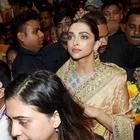 Ahead of Ganesh Visarjan, Deepika Padukone seeks blessings from Lalbaugcha Raja
