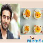 Shekhar Ravjiani receives Rs 1672 bill for 3 eggs at 5-star hotel; see pic