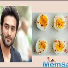 Shekhar Ravjiani receives Rs 1672 bill for 3 eggs at 5-star hotel; see pic