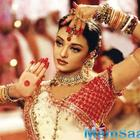 Did you know Aishwarya Rai continued to dance for 'Dola Re Dola' despite bleeding ears?